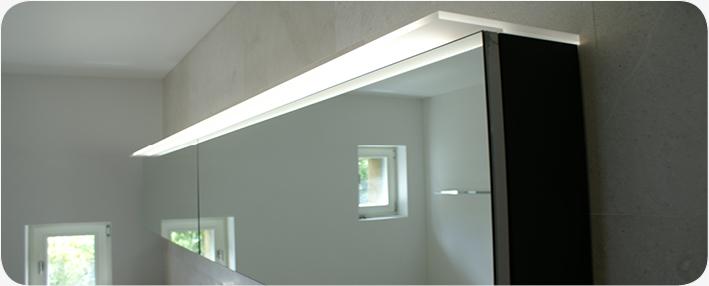 led beleuchtung aus plexiglas nach mass zu bestehendem spiegelschrank. Black Bedroom Furniture Sets. Home Design Ideas