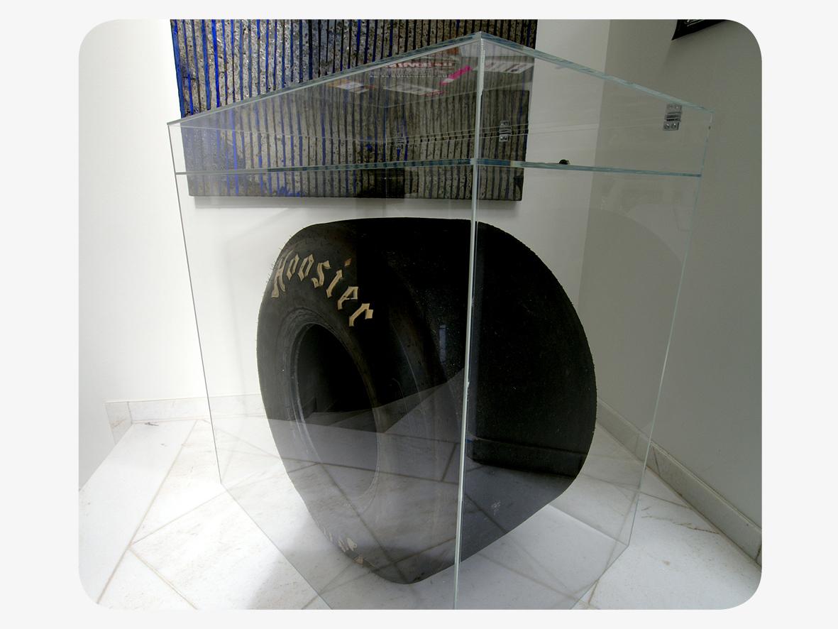 Hauben Und Vitrinen Aus Plexiglas Fur Museen Messebau Und Privat